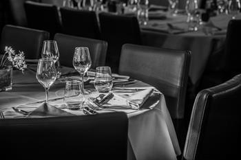 Hôtel Beauregard Table Noir et Blanc