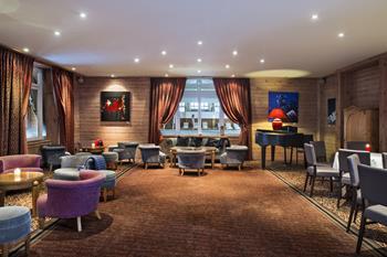 Salon Détente Piano Hôtel Beauregard La Clusaz